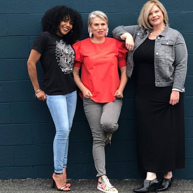 T A L E N T // a few of The Coterie Suites ladies. Come see us, link in bio to book! . . . #cville #cvillesalons #cvillesalonsuites #cvillehairstylist #cvillehairstylists #charlottesvillehairstylist #bestofcville