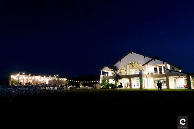 Never a bad view 👌🏼💗 📸: Cory Ryan Photography . . . . . . . . #weddingvenue #crickethillranch #drippingspringswedding #weddings #venue #view