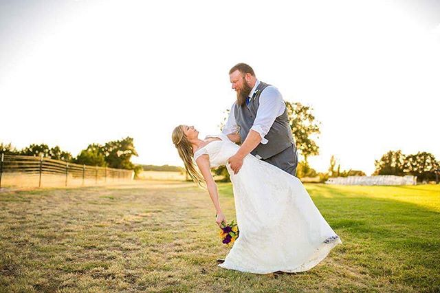 What a fun wedding this was!! . . . . . . . . #weddingvenue #crickethillranch #weddingday #flowers #wedding #lovemylife #bride #groom #mrandmrs #drippingspringswedding #texas #hillcountryweddings