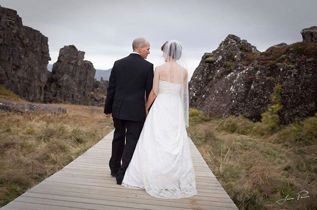 Walk in the beautiful Thingvellir National Park. 🤵🏼👰🏻www.wedding.jonpall.is . . . #wedding #prewedding #engagement #elopment #iceland #weddingiceland #weddingsession #weddingshooting #preweddingshooting #engagementshooting #weddingsession #preweddingsession #engagementsession #authenticlovemag #lookslikefilmweddings #wildloveadventures #adventurouslovestories #wanderingphotographers #radstorytellers #belovedstories #wedphotoinspiration #loveandwildhearts #weddingforward #meinehochzeitsfotos #theknot