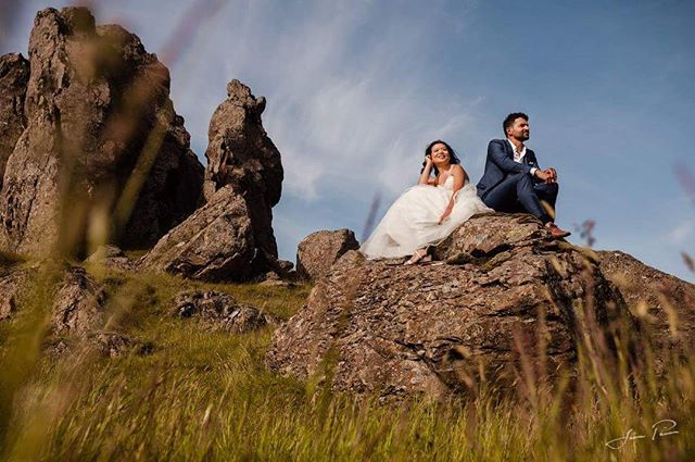 Iceland is full of beautiful lava rock formations and hidden places to discover. With this amazing couple from New Zeland we tried to find  some more remote locations for their wedding pictures. Do you prefer the less touristic and unknown places or the more famous but sometimes crowded spots? 🤵🏼👰🏻www.wedding.jonpall.is . . . #wedding #prewedding #engagement #elopment #iceland #weddingiceland #weddingsession #weddingshooting #preweddingshooting #engagementshooting #weddingsession #preweddingsession #engagementsession #authenticlovemag #lookslikefilmweddings #wildloveadventures #adventurouslovestories #wanderingphotographers #radstorytellers #belovedstories #wedphotoinspiration #loveandwildhearts #weddingforward #meinehochzeitsfotos #theknot