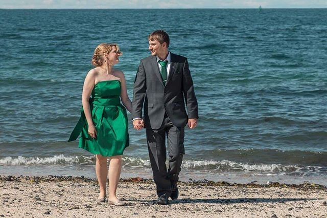 Iceland is famous for its black beaches, but for us the real uniqueness those rare golden send beaches, which we have in Reykjavik as well. Which one do you prefer, black send or golden send beach?🤵🏼👰🏻www.wedding.jonpall.is . . . #wedding #prewedding #engagement #elopment #iceland #weddingiceland #weddingsession #weddingshooting #preweddingshooting #engagementshooting #weddingsession #preweddingsession #engagementsession #authenticlovemag #lookslikefilmweddings #wildloveadventures #adventurouslovestories #wanderingphotographers #radstorytellers #belovedstories #wedphotoinspiration #loveandwildhearts #weddingforward #meinehochzeitsfotos #theknot