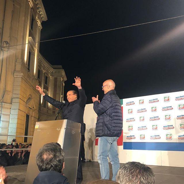 Grazie a @silvioberlusconi_official Il #Molise è di #centrodestra, @forzaitaliaufficiale si conferma primo partito della coalizione, i 5 stelle perdono più di 10 punti dalle politiche. Questo è un #buongiorno !!! Grazie Presidente #berlusconi quando tu ci metti la faccia si vince! #unicoleader 🇮🇹 🇮🇹🇮🇹