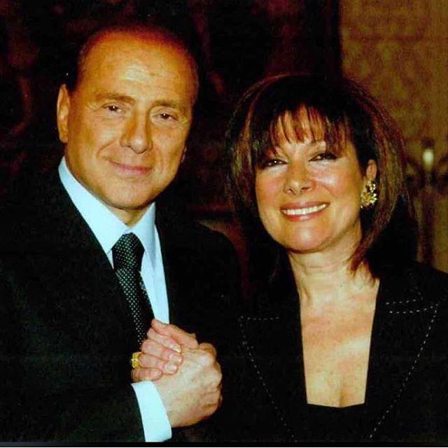 Il Presidente #Berlusconi ha fatto convergere l'accordo di un'ampia maggioranza del #Senato della #Repubblica, su Elisabetta #Casellati! La neo eletta #Presidente del Senato è un affermato avvocato, una Docente Universitaria, membro del #CSM e sopratutto una forzista da sempre. Dal '94 è sempre stata fedelmente al fianco di Silvio Berlusconi! Questa è la politica che ci piace, fatta di persone capaci, professionisti competenti con idee e valori chiari. Buon lavoro Presidente Casellati