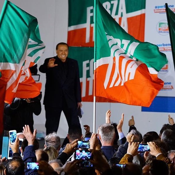 """#FORZAITALIA , IL #RINNOVAMENTO IN #CAMPANIA SI STA GIÀ REALIZZANDO. SI SOSTITUISCANO ALLE POLEMICHE AZIONI CONCRETE  #Benevento, 25 giugno 2018 - """"Il Presidente della Regione #Liguria @giovatoti , ieri dopo aver pontificato sulla necessità di democrazia interna a #FI, è stato costretto ad un severo bagno di realtà dato dalle contingenti elezioni amministrative. Nella sua Liguria infatti hanno visto trionfare @claudio_scaiola, a scapito dei totiani. A rimorchio di Toti sono stati in tanti, che """"#trombati """" alle scorse elezioni, si sono buttati a rimorchio. Anche la nostra ex deputata #nunziadegirolamo, che in pochi giorni è passata dall'osannare @silvioberlusconi_official al programmare una Forza Italia senza #Berlusconi operativo... ed anche ella si prodiga nell'elogio della meritocrazia... viene da ridere ma tant'è.  Al contrario, senza bisogno di proclami ed interviste, c'è una Forza Italia, che si rinnova e vince nel solco di quanto chiesto da Silvio Berlusconi. C'è una @forzaitaliacampania che grazie ad una classe dirigente regionale """"illuminata"""" , profondamente voluta dal Presidente Berlusconi, sta costruendo e rinnovando il partito sulla base del merito e delle capacità ed i risultati arrivano. Dove il nostro simbolo è stato presente, ohimè non ovunque, ha vinto, al primo turno o al ballottaggio. Continuiamo così, anche nelle aree interne dove un'operazione di profondo rinnovamento, come richiesta da Berlusconi, appare necessaria. Finora, qualcuno che oggi si riempie la bocca di merito e territorio, l'ha bloccata"""". È quanto ha dichiarato Leonardo #Ciccopiedi (FI)."""