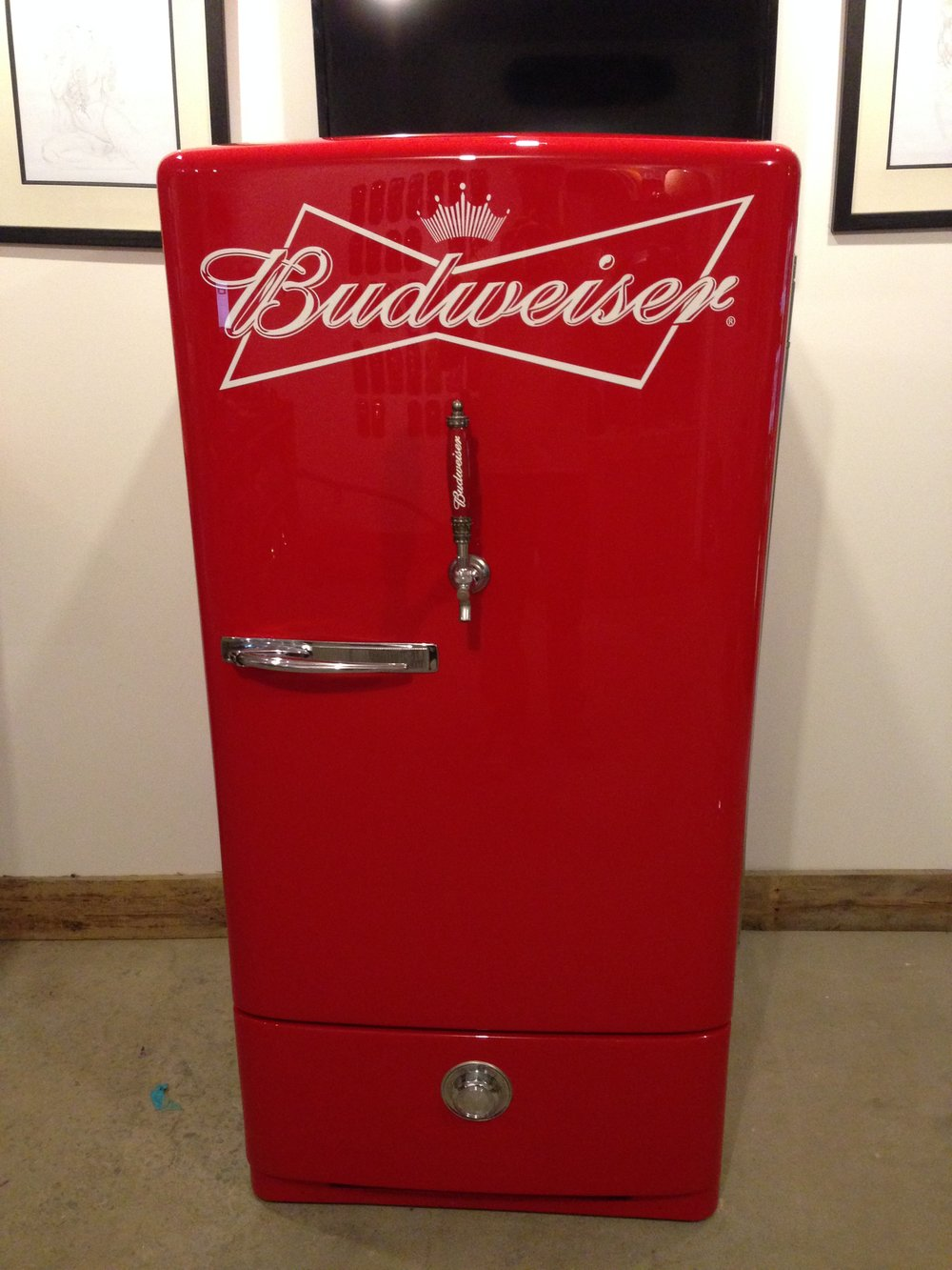The final product came out to be a beer fridge any bar owner would be proud to call theirs.