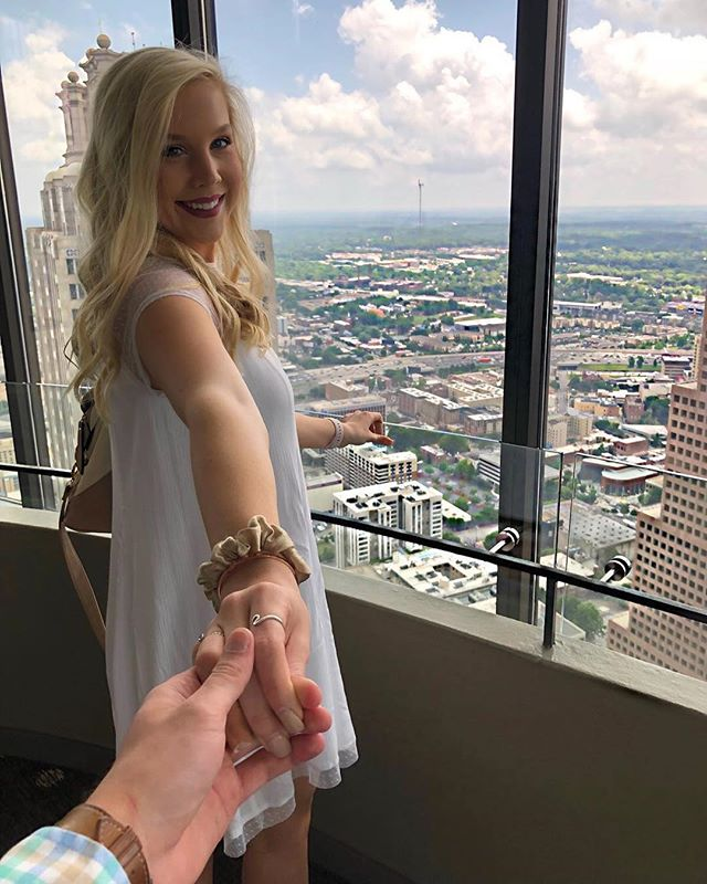 The only thing better than the skyline is seeing her smile. Have an anniversary coming up? Celebrate with us. 📸 @katiekeefe1