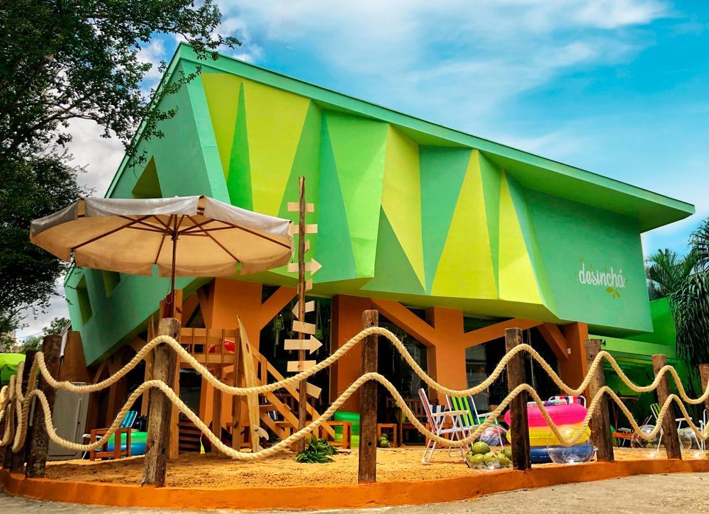 Casa Desinchá - Com clima de praia e alto astral, a Casa de Verão Desinchá vai ser o espaço conceito mais badalado de 2018, com experiências artísticas e gastronômicas intensas e inspiracionais. É só uma amostra do que vai ser a futura Casa Desinchá em 2019.