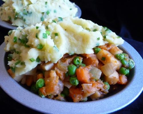 Classic Shepherd's Pie with Garlic Chive Potato Crust