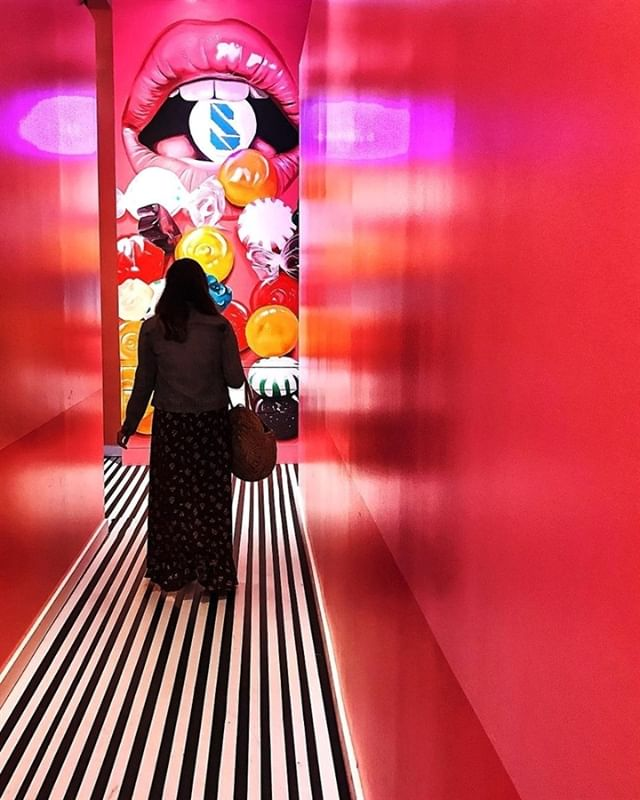 There is always something sweet to do in Dallas! We are especially in love with the art installation called The Sweet Tooth Hotel! Thanks for exploring Dallas and capturing this moment, @lailapietaya!
