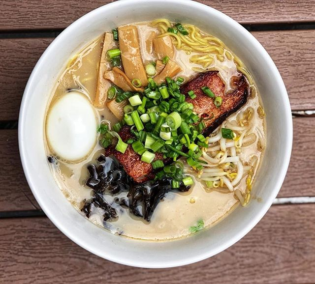 A bowl of ramen not only keeps us warm during the winter months, but it keeps us happy too! We're stopping by @oniramenofc thanks to @foodfaithfreedom!