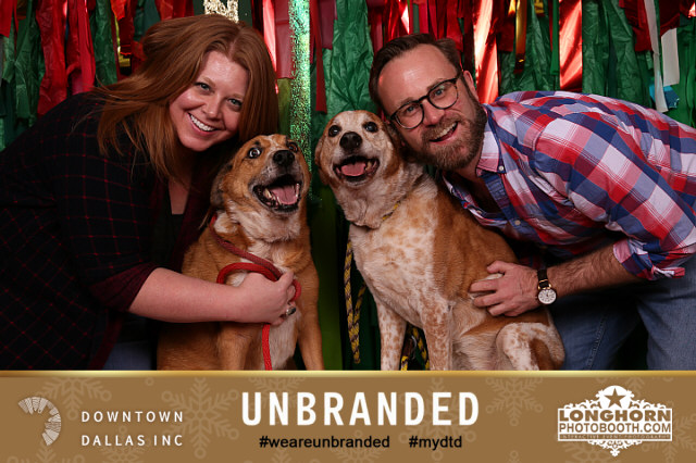 Photos - Thursdays & Fridays5pm – 7pmBring your pets, families, or friends for FREE holiday photos with Longhorn Photo Booth!