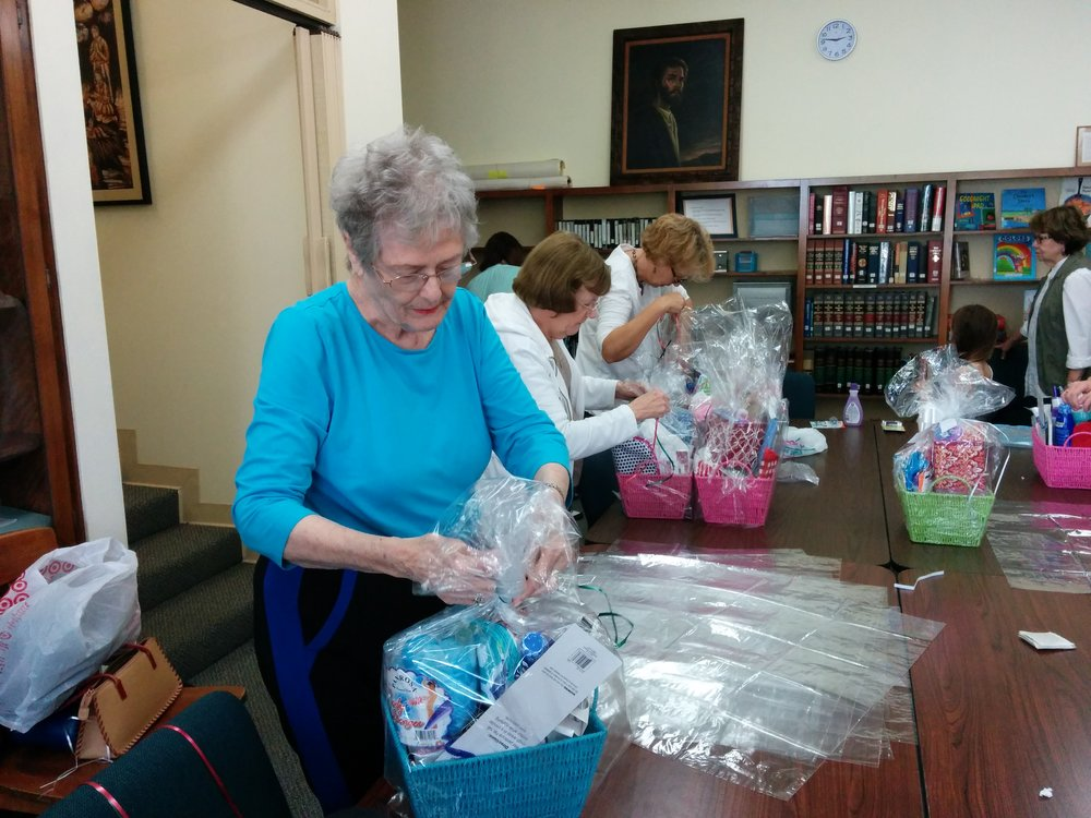 Claremont-Presbyterian-Church-community-baskets-2.jpg