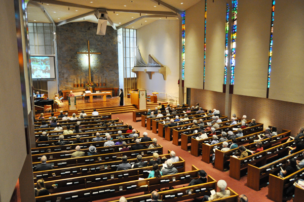 Claremont-Presbyterian-Church-Campus-tour-congregation.jpg