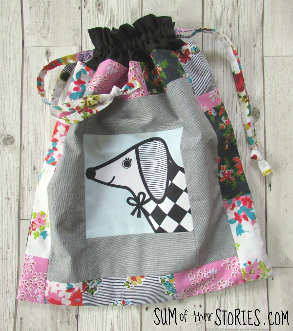 Tutorial to make a patchwork drawstring toy bag