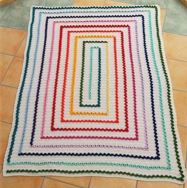 415. Regenbogen-Wiggly-Decke 3 - Kopie.jpg