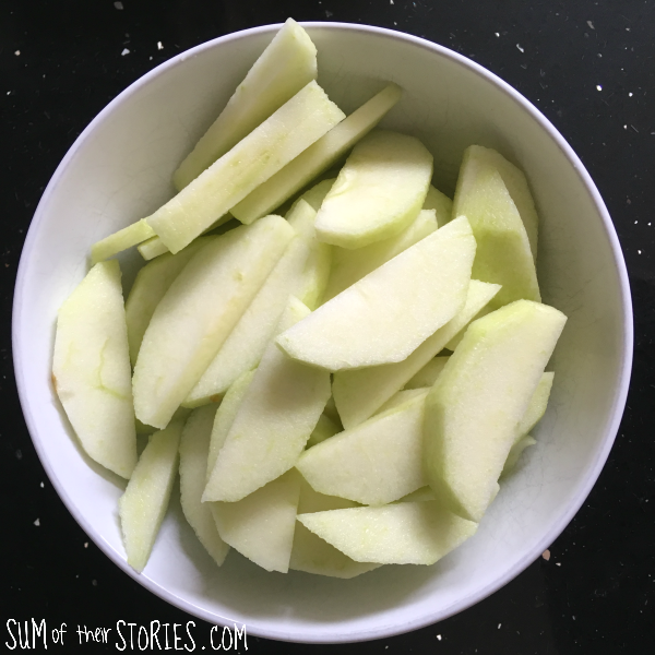 sliced apple.png