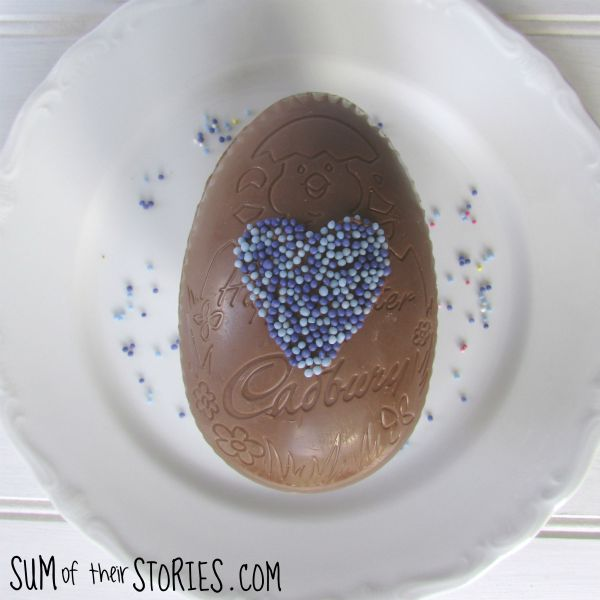 Simple DIY easter egg decorating idea