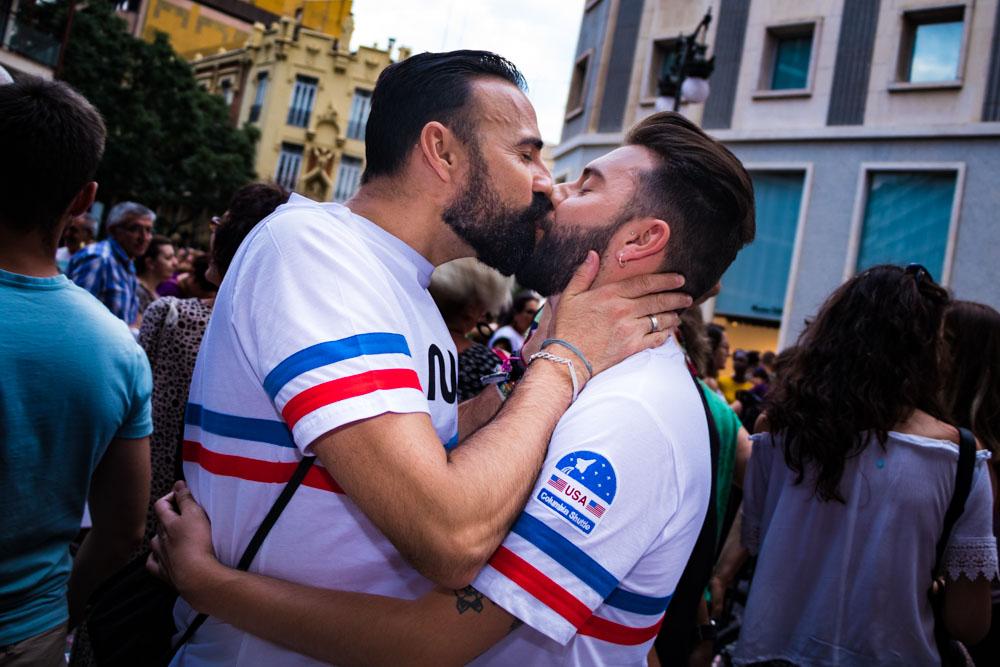 Da click en la foto para encontrar tus besos...