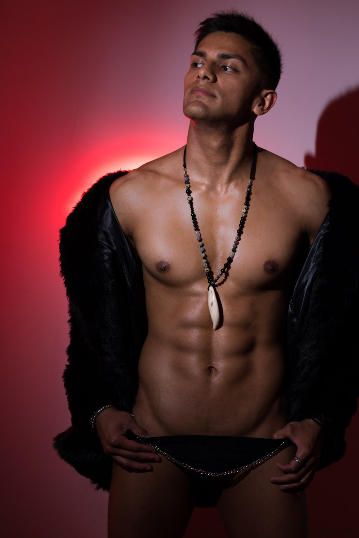 naked model photo shoot
