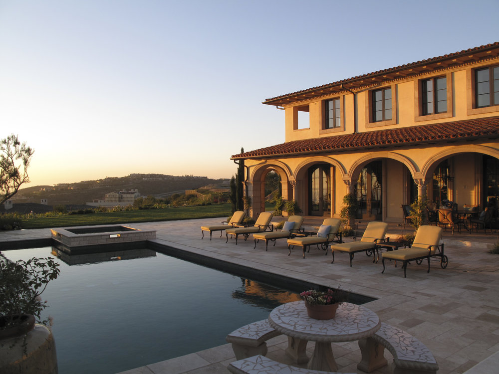 CRYSTAL COVE - NORTHERN ITALIAN VILLA POOL BY OATMAN ARCHITECTS