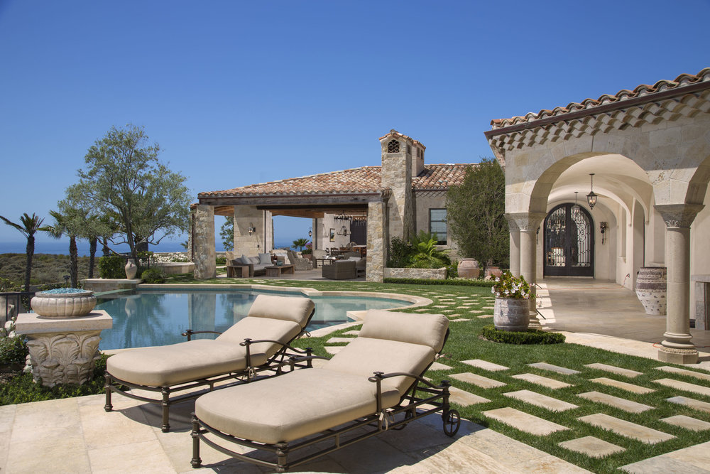 STRAND BEACH - ROMANESQUE PATIO BY OATMAN ARCHITECTS