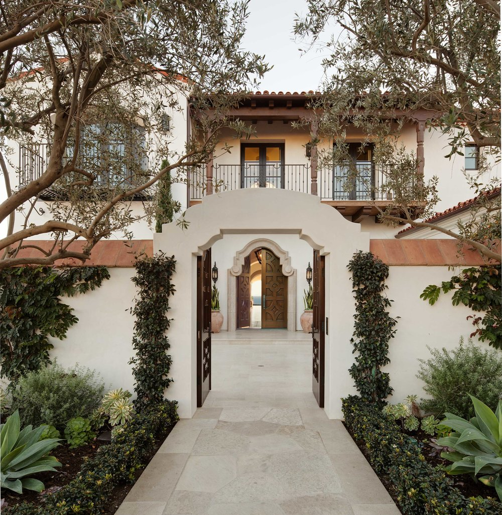 Newport Coast Santa Barbara Style Entryway by Oatman Architects