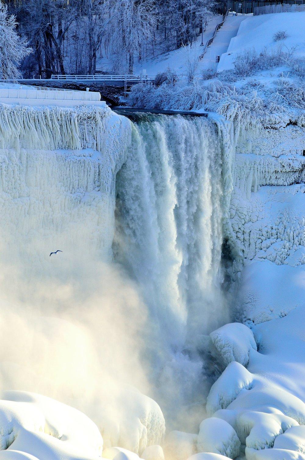 bridal-veil-falls-239139_1920.jpg