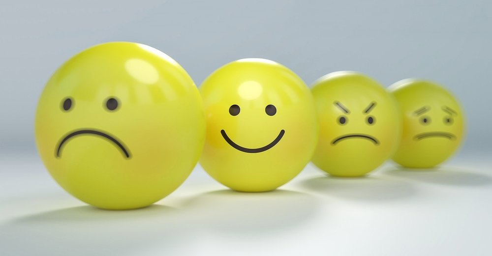 smiley-2979107_1280.jpg