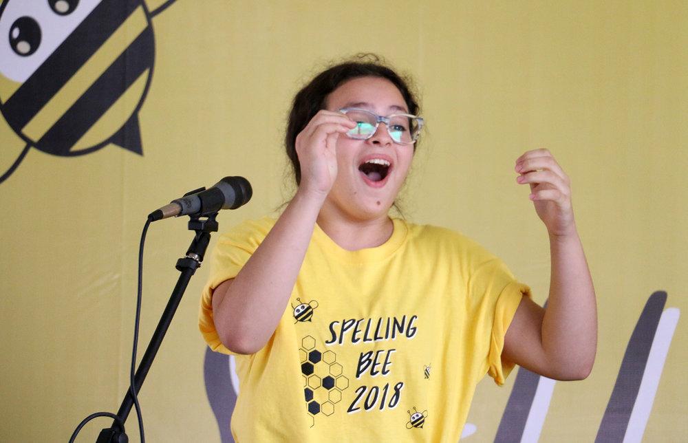 Vibrante fase final del Spelling Bee vivieron los alumnos de secundaria