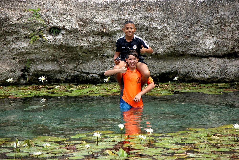 cenote sagrado Blas Pascal