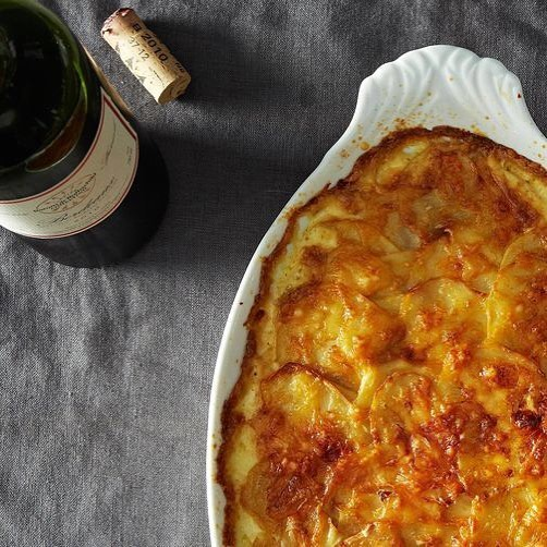 Scalloped Potatoes with Caramelized Onion⠀ .⠀ Serves 6-8⠀ .⠀ INGREDIENTS⠀ .⠀ 2 cups whipping cream⠀ 4 crushed garlic cloves⠀ 3 peppercorns⠀ 3/4 teaspoon sea salt⠀ 1 tablespoon oil⠀ 1/2 cup YUMYIN (or more if you'd like)⠀ 3 large Yukon Gold potatoes (2 to 3 pounds), peeled⠀ 1 cup shredded Gruyere cheese⠀ 2 sprigs fresh thyme⠀ .⠀ DIRECTIONS⠀ .⠀ -In saucepan, bring cream, garlic, peppercorns, thyme, and salt to just under boil; reduce heat to low, cover and simmer for 15 minutes. Remove from heat; set aside.⠀ -Heat your oven to 300° F.⠀ -Slice potatoes as thinly as possible (using a mandoline if available).⠀ -Layer 1/4 of the potatoes in greased about 8 x 12-inch glass baking or casserole dish; top with 1/3 of the YUMYIN and 1/4 of the cheese. Repeat twice. Top with remaining potatoes.⠀ -Strain cream mixture over potatoes, shaking casserole to distribute evenly. ⠀ -Sprinkle with remaining cheese.⠀ -Bake in 300° F oven on a baking sheet (to catch drips) until tender and a knife inserted into the dish pierces potatoes easily, 1 1/2 to 2 hours.⠀ .⠀ -Make-ahead: Let cool, then cover and refrigerate for up to 2 days. Reheat, tented with tin foil, in 375° F oven for 30 minutes.⠀ .⠀ https://www.yumyin.com/recipes/2018/7/25/scalloped-potatoes-with-caramelized-onions⠀ .⠀ #caramelizedonion #caramelizedonions #potato #potatoes #scallopedpotatoes #thanksgiving #thanksgivingclassic #fallflavors #sides #thanksgivingsides #delicious #yum #yumyin