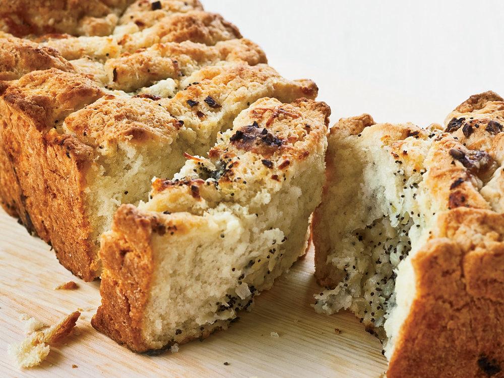 YUMYIN cheesy Onion Bread.jpg