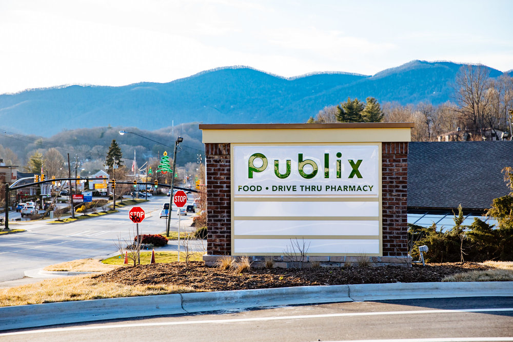 175-Publix%20Opening%202-13-19%20-%20Low%20Res-MK4_6305-X3SIGN.jpg