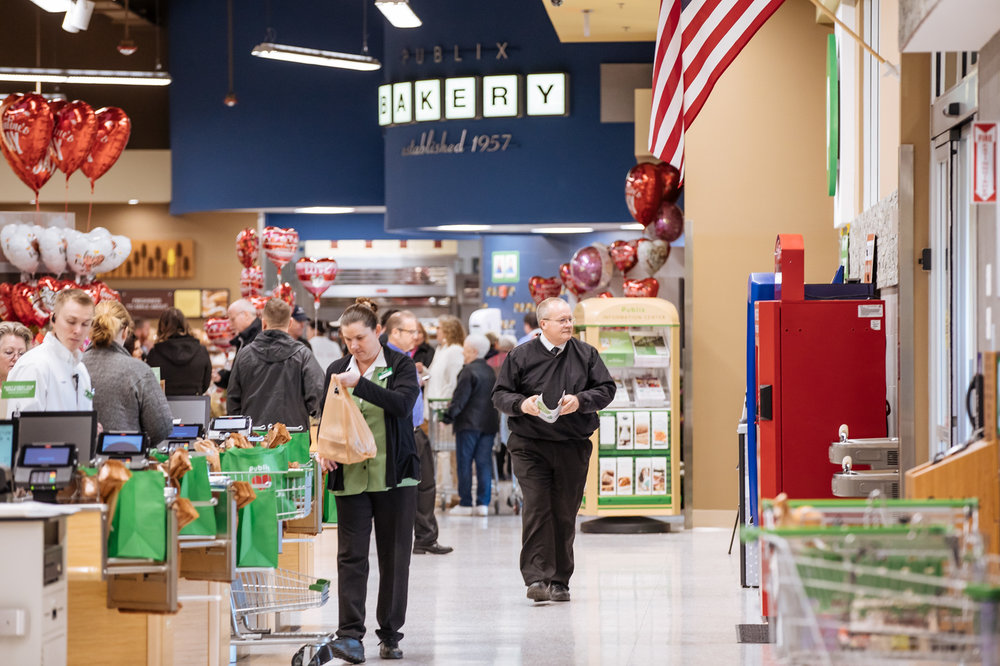 150-Publix%20Opening%202-13-19%20-%20Low%20Res-0M4A1796-X3busystore.jpg