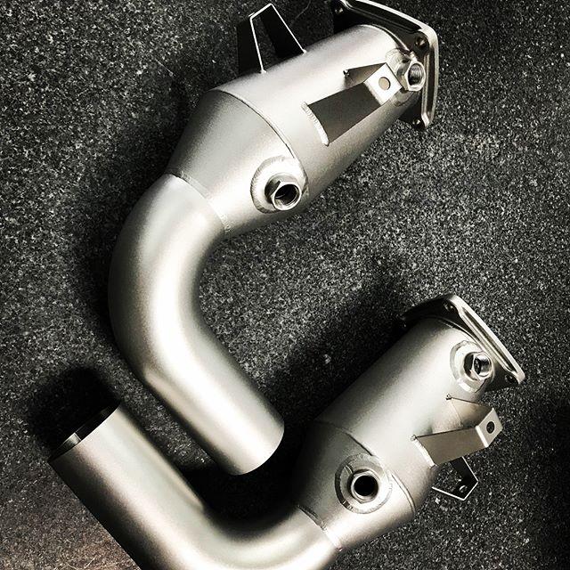 #Carrera #991.2 #inconel 625 3.5lbs  #mimo 1/2 the original weight. Testing in progress. #porsche #turbo #991 #printedmetal #3dprinting