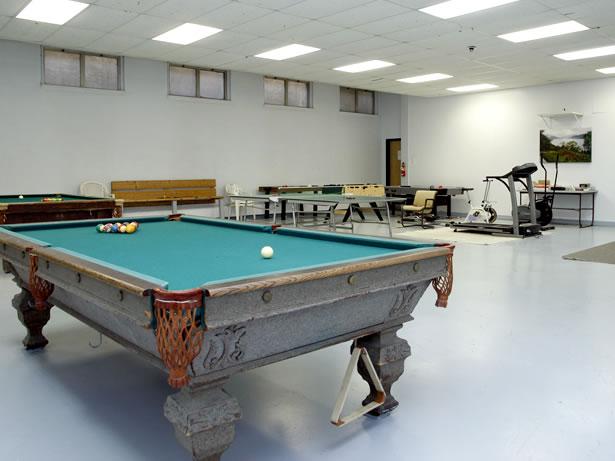 pool-table-lounge.jpg