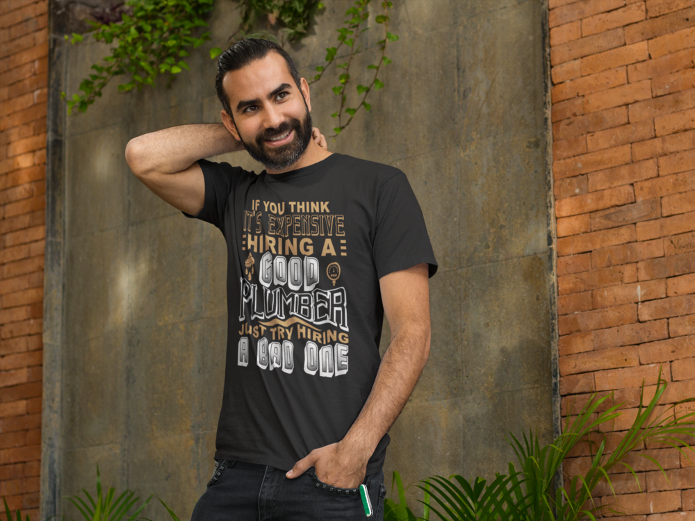 man-standing-outside-a-restaurant-t-shirt-mockup-a8237.png