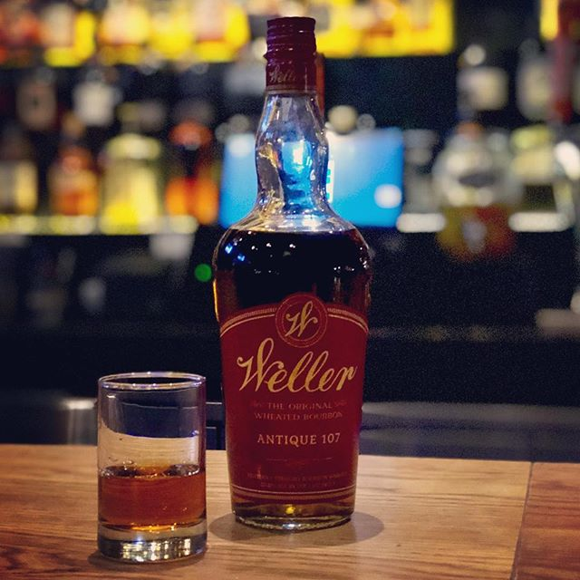 Waiting for the #chilicookoff @popsbluemoon to begin so I just had to have a #wellerantique107 @gamlinwhiskeyhouse before I begin to taste all that #chili goodness. @theelusivetc would approve 🥃 • • • #womenwhowhiskey #missouriwhiskeysociety #membershiphasitsprivileges #midwestfoodinfluencer #gastroswag #bar #usbg #bartender #spirits #usbgstl #cocktails #imbibe #liquordotcom #industrylife #cheers #crafted #cwelive #gamlinwhiskeyhouse #theelusivetcwouldapprove #whiskey #cwestl
