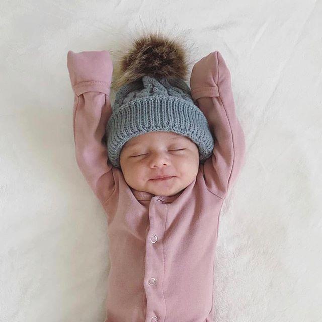 takingcarababies - ➕Helping Babies Get Sleep (2 online baby sleep classes! Click link.) ➕Neonatal Nurse ➕Mom of 4 ➕Wife of a Pediatrician ➕Infant Sleep Specialist