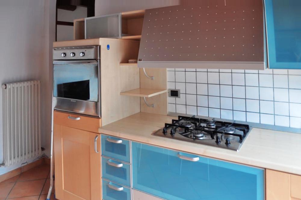 Guarini-Matteucci-vini-wine-Castelfalcino-Azienda-B&B-appartamento-VillaLiberty-cucina.png