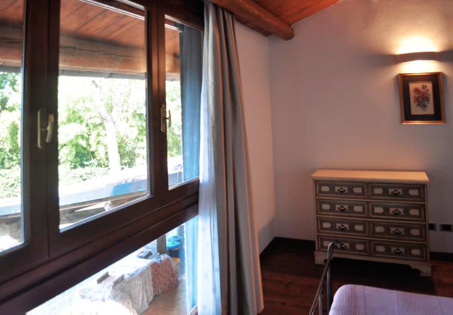 Guarini-Matteucci-vini-wine-Castelfalcino-Azienda-B&B-appartamento-VillaLiberty-vista-camera.png