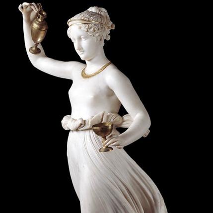 Canova e l'Ebe - Fu eseguita nel 1817 su commissione della contessa Veronica Zauli Naldi Guarini, la quale intendeva rendere più sontuosa la propria abitazione a Forlì, venne donata alla città nei primi decenni del 1900. Oggi l'opera è esposta all'interno dei Musei San Domenico della città romagnola.