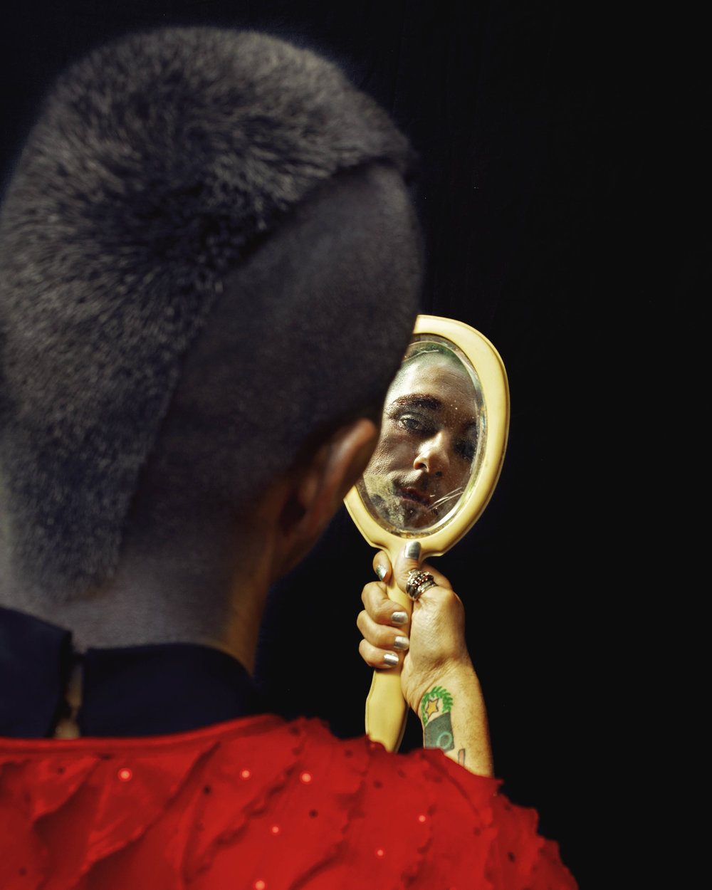 makeup-mirror-by-ransom-ashley-4.jpg