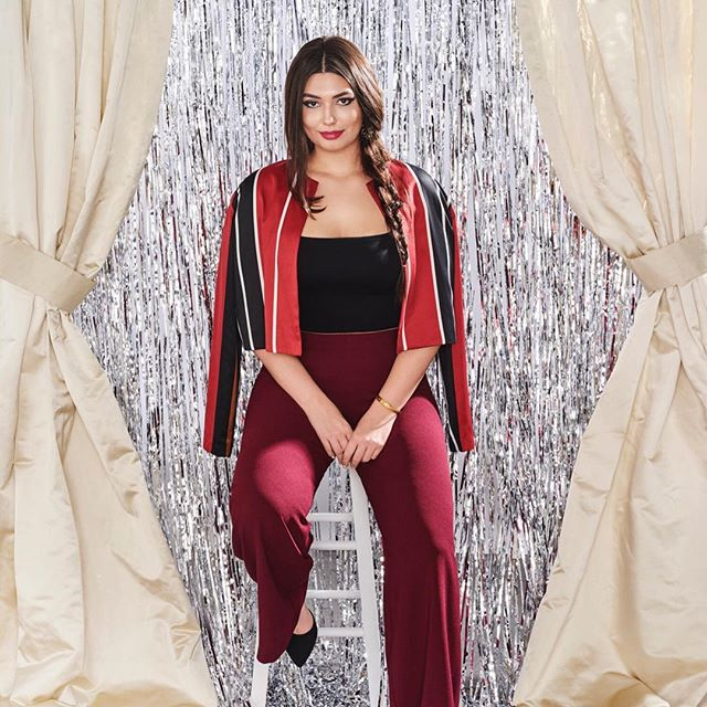 The PERFECT Christmas Eve or Christmas Day outfit, be merry and bright in our Wide Leg Pant in Oxblood, our Zip Up Tube Top in Black and add the Ruby Stripe jacket to round out this classic Christmas look - click the photo to shop now! 🎁 . . . . . #SimoneAviv #Fashion #Style #Glamour #Fashionista #FashionBlogger #StyleBlogger #PlusSize #PlusSizeFashion #PlusFashion #PlusSizeStyle #HonorMyCurves #PlusSizeFashionBlogger #CurvyGirlsVIP #PlusAndProud #PlusSizeStyleWatch #CurvyGirl #FashionForwardPlus #BoldnCurvy #MyStylishCurves #StyleFilesPlus #CurvyPower #BodyPositive #BodyPositivity #EffYourBeautyStandards #HolidayStyle #MadeInLA #EmbraceYourCurves #GirlsWithCurves #HolidayFashion