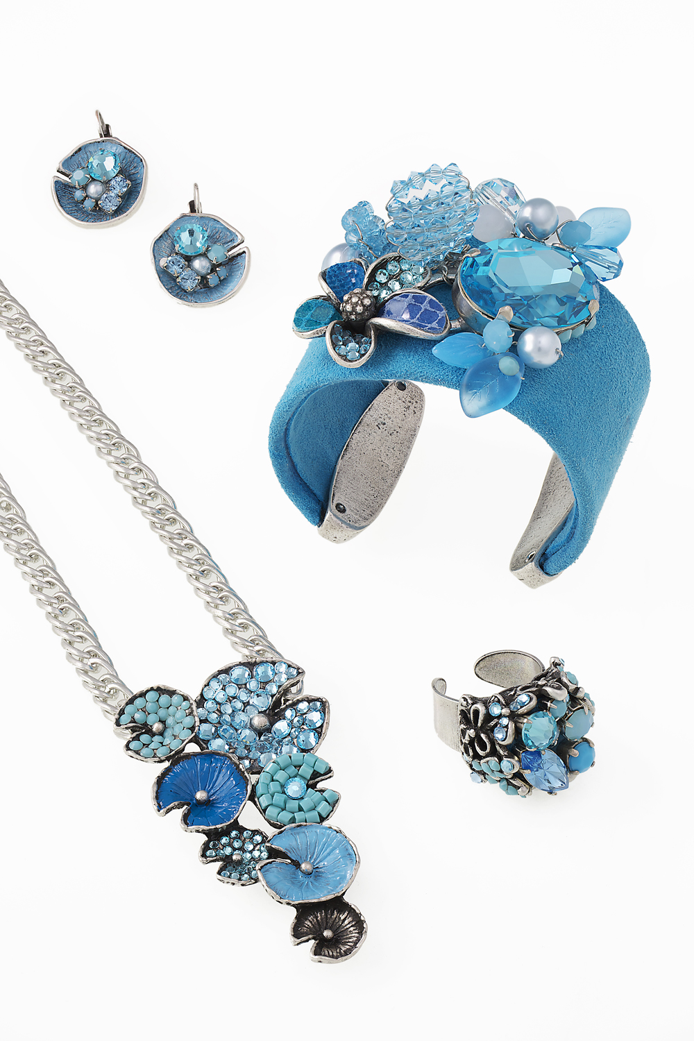 029_turquoise flower cuff and necklace set.jpg
