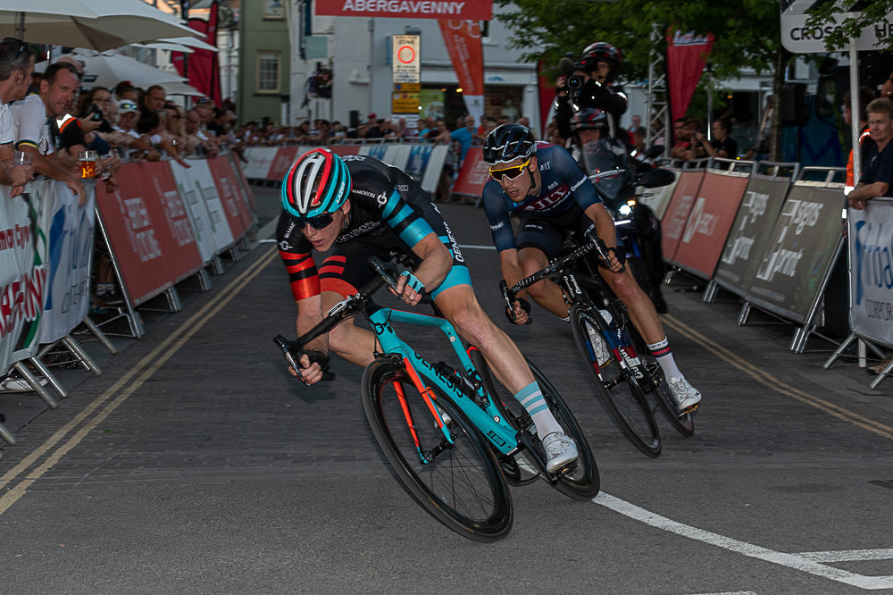 Connor Swift and Jon Mould at the 2019 HSBC Elite Town Centre Series in Abergavenny. Picture: GBM Photography