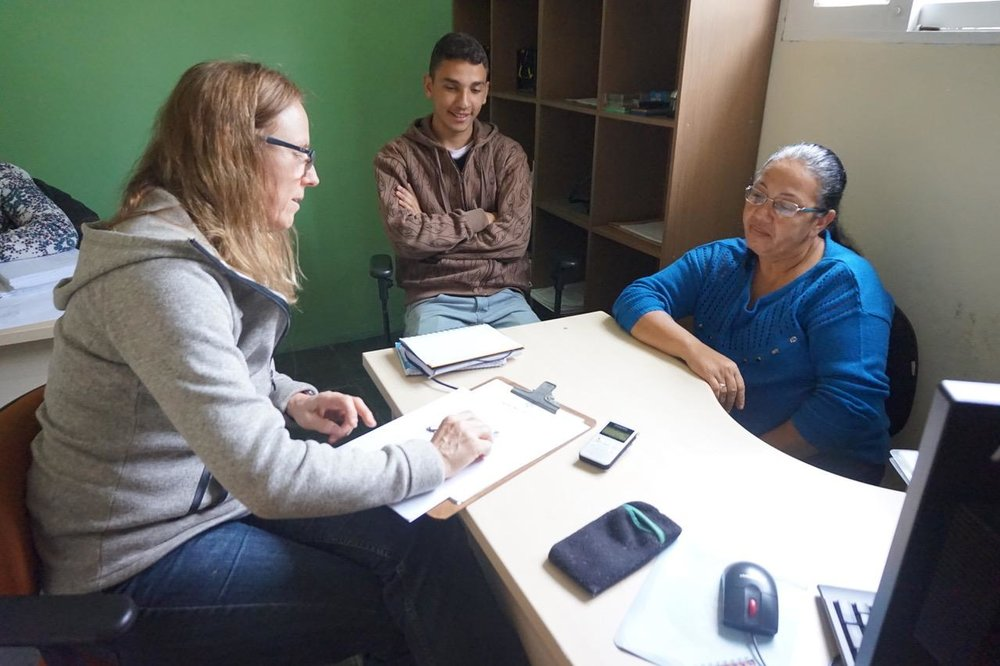 Dr. Jutta Gutberlet doing interviews with Coopernova in Cotia, Brazil.