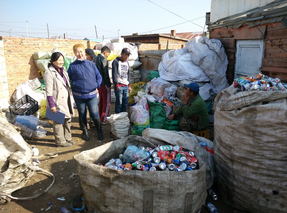 Informal Recyclers in Ulaanbaatar, Mongolia. Photo credit: SMN Uddin