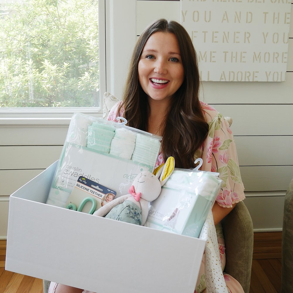 ari elle curated gift box